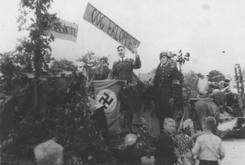 <b>ZOEKPLAATJE:</b>Onbekend vd Pol 1945 Bevrijdingsoptocht maar waar