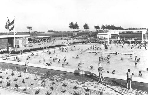 Oosterdreef 0020 1973 Zwembad de Meerval