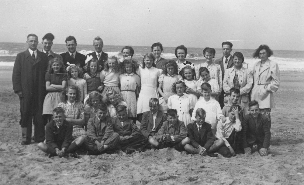 Openbare School 02 1948 Schoolreisje naar Strand 01_1