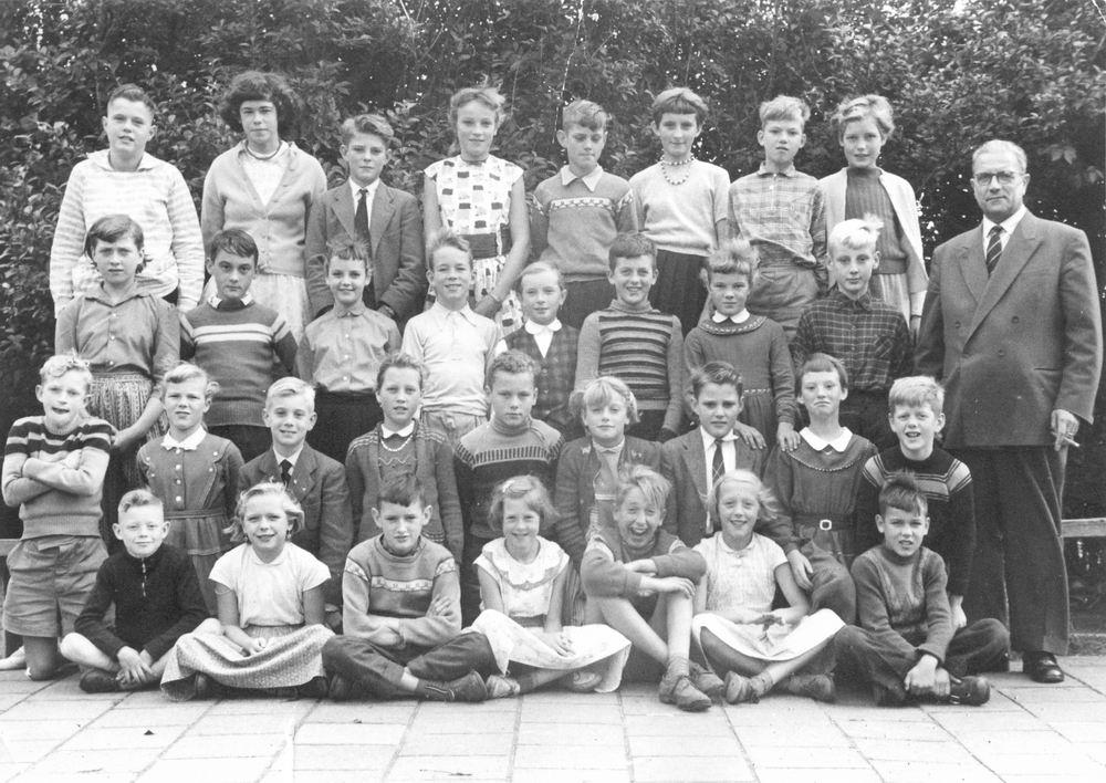Openbare School 02 195_ met Meester Nieuwenburg 04