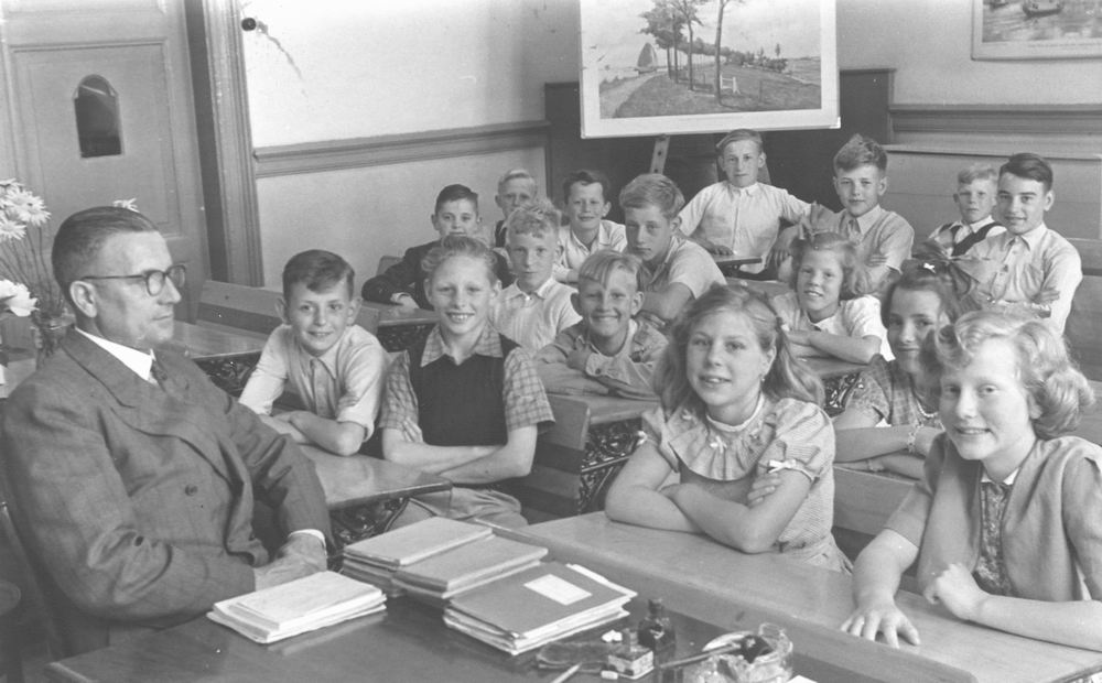 Openbare School 02 19__ met Meester Nieuwenburg 02