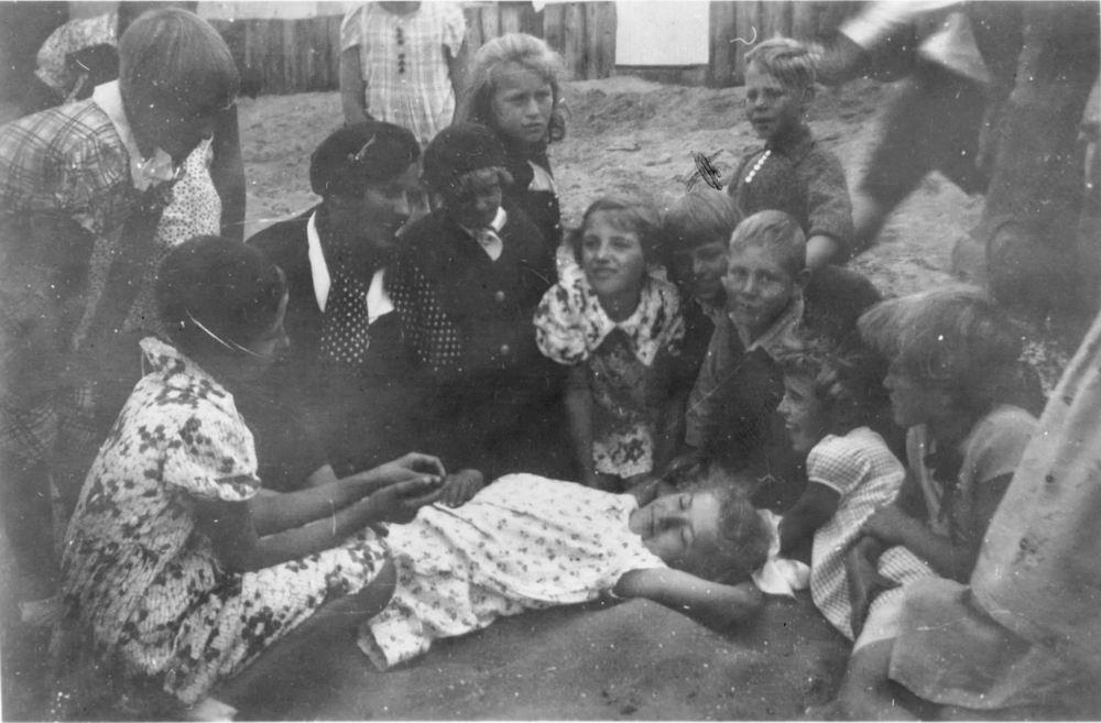 <b>ZOEKPLAATJE:</b>Openbare School 04 1937 Klas 5 Schoolreisje naar Onbekend 02