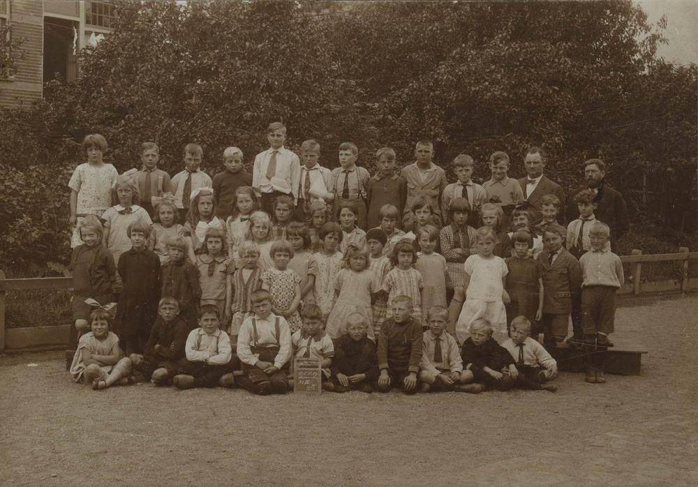 Openbare School 09 1927 Zwanenburg Klas 4