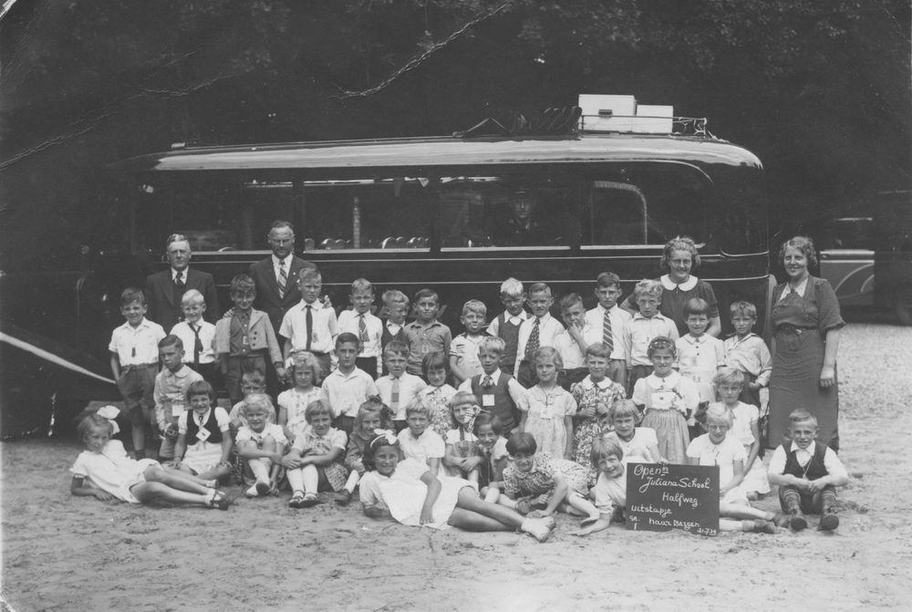 Openbare School 09 1939 Schoolreisje met Adri Boellaard