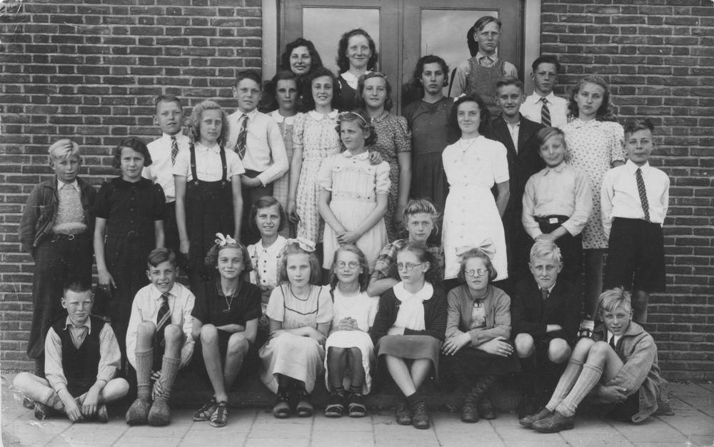 Openbare School 09 1946 Afscheid Klas 6