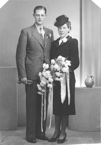Oskam Arendina 1919 1941 trouwt H J de Jong 01