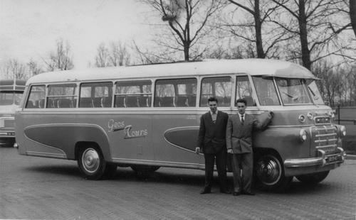 Oskam Gerrit 196_ GEOS Bus met Gerrit Bosman ea 01