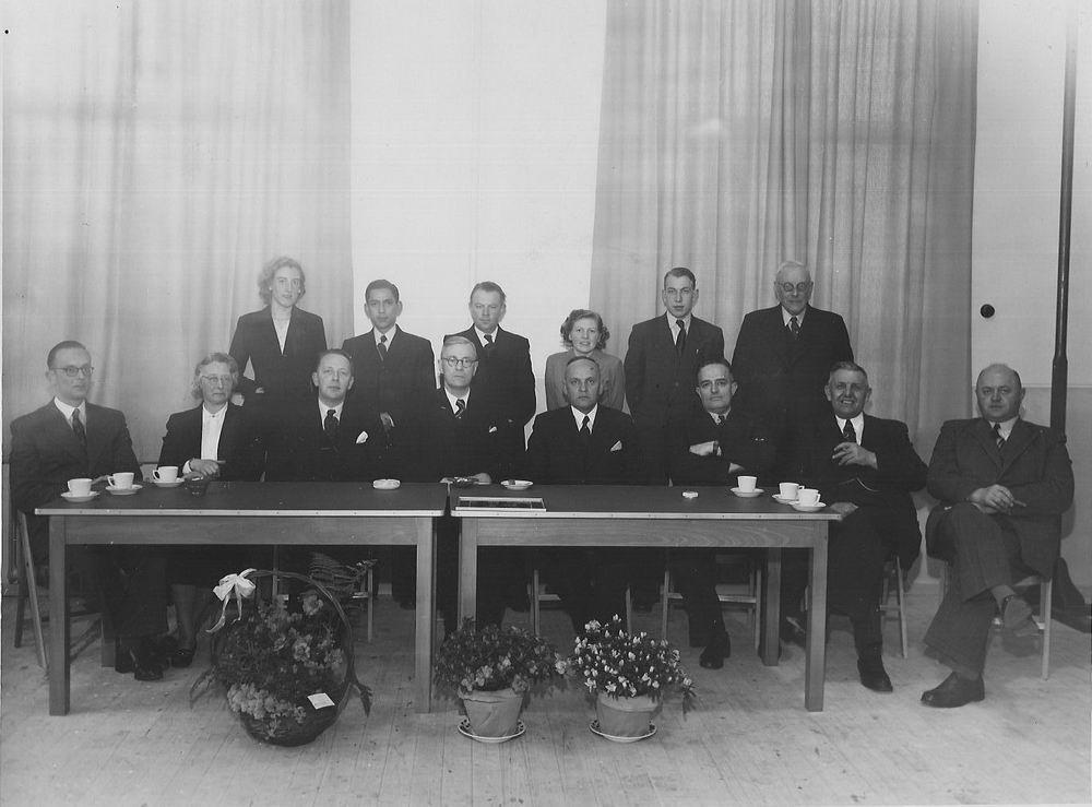 Oudheusden J A 19__ met Burgemeester Jansonius en Onbekenden