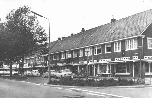 Pa Verkuijllaan W 0019+ 1976 Winkels