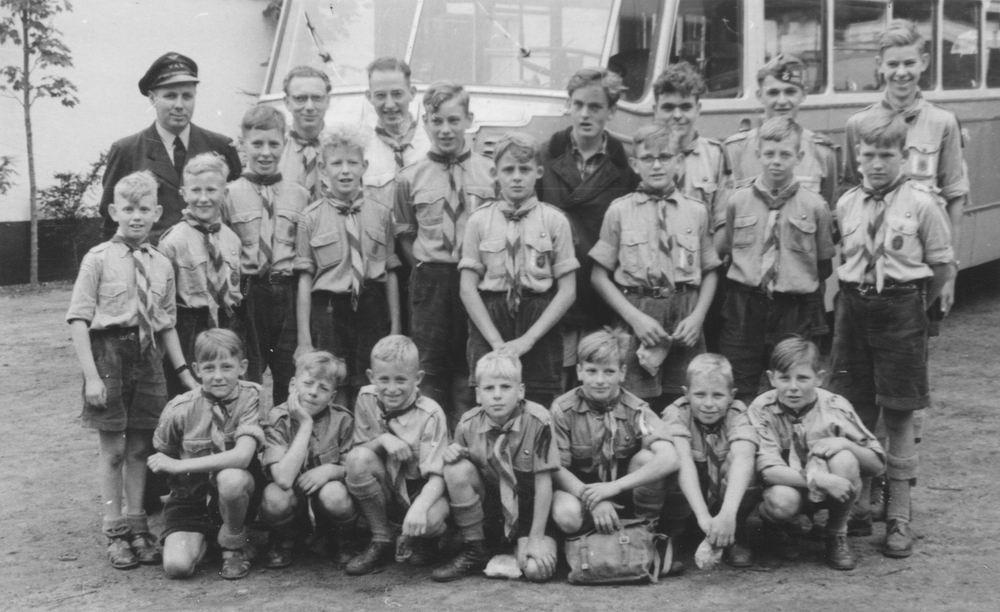Padvinders Rijk 1950 met Henk v Limpt en Barend Klaassen