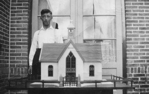 Philippo Johannes 19__ met Model NH Kerk Vijfhuizen