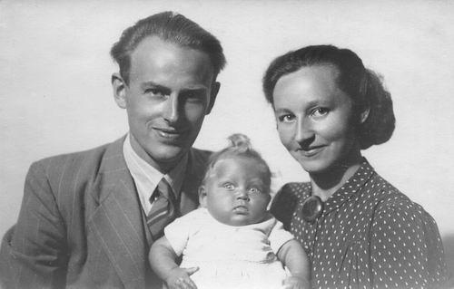 <b>ZOEKPLAATJE:</b>Philippo To 19__ met ega Theo Tolenaars en dochter Marjan