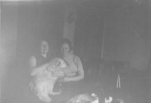 Pol Lenie vd 1940 19__ met Vriendin v Pelt 037