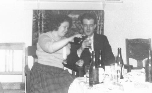 Pol Lenie vd 1940 19__ met man Rinus Zuidweg
