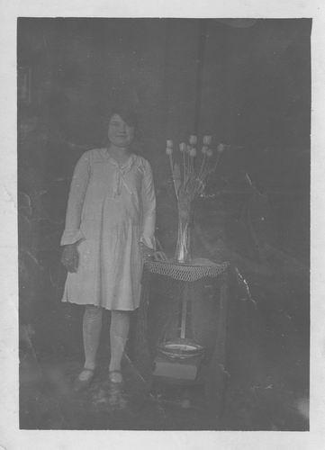 Pol - Slinger Lena vd 1914 19__ bij Fotograaf 972