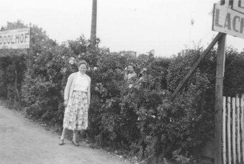<b>ZOEKPLAATJE:</b>Pol Lenie vd 1940 19__ bij Doolhof met Onbekend 02