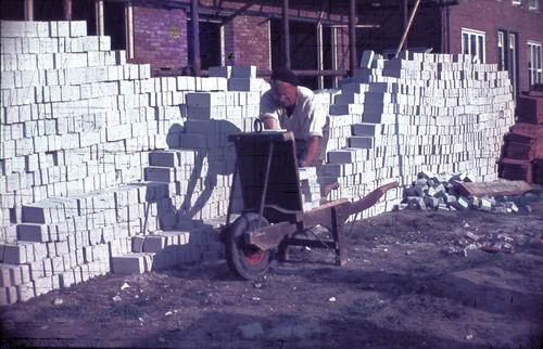 <b>ZOEKPLAATJE:</b>Prinses Irenestraat 1949-50 in Aanbouw 03