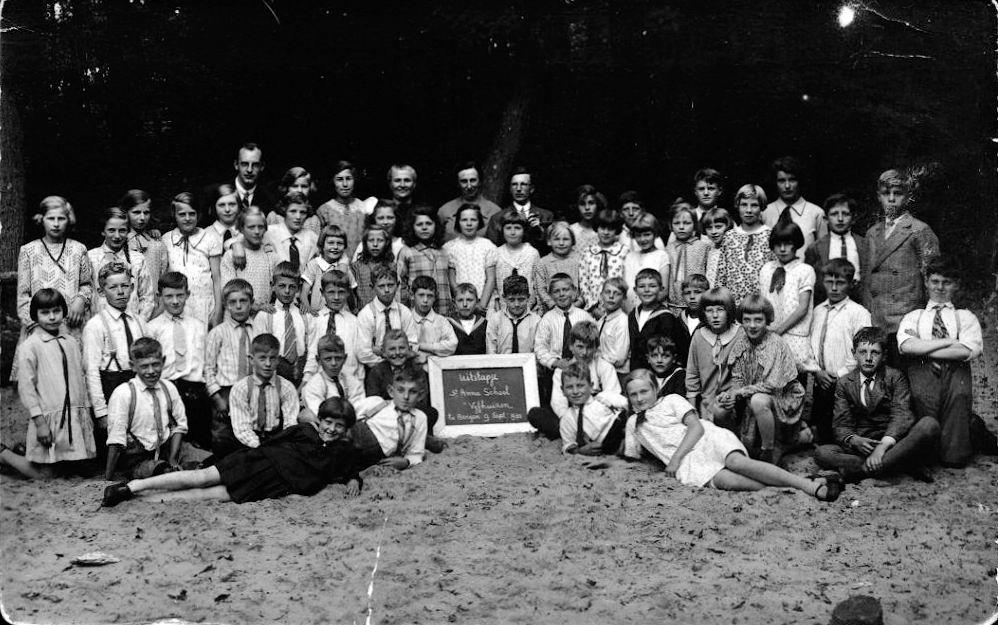RK School Vijfhuizen 1930 St Anna Schoolreisje naar Bergen