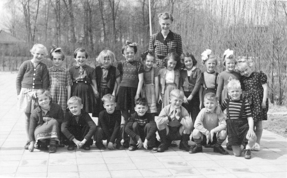 RK School Willibrordus Buitenkaag 1954 Klas 1