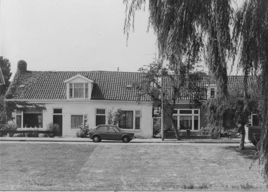 Raadhuislaan 0009 10 11 1975-76