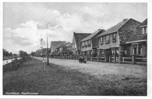 Raadhuislaan 0036 1942 vanuit Westen 01