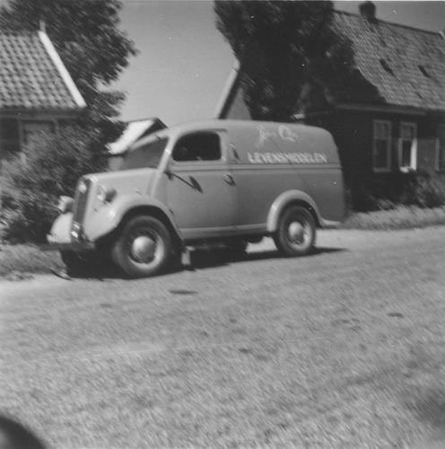 Rijnlanderweg W 0889 196_ met Bestelwagen Jac de Cloe