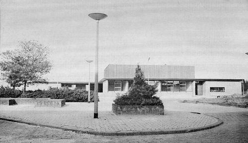 Rijsenhout Werf 198_ Ontmoetingskerk