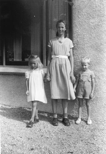 Rip Dirkje 19__ 1956 met de Tweeling Joke en Jan