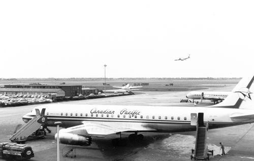 Schiphol 1961 met fam Kroon 01