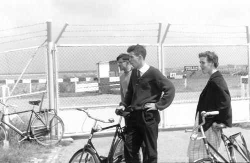 Schiphol 1961 met fam Kroon 02
