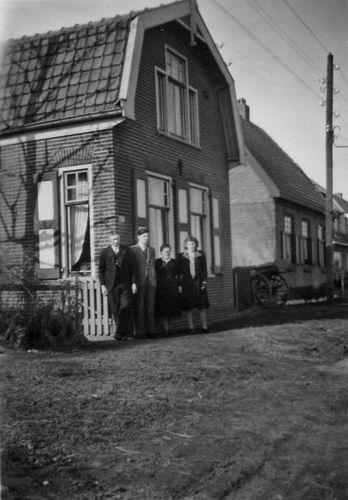 Schipholdijk 0227 1948 fam H C de Rijk