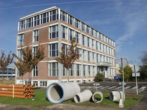 Schipholdijk 022_ 2008 Kantoor Fokkerfabriek vlak voor Sloop 02