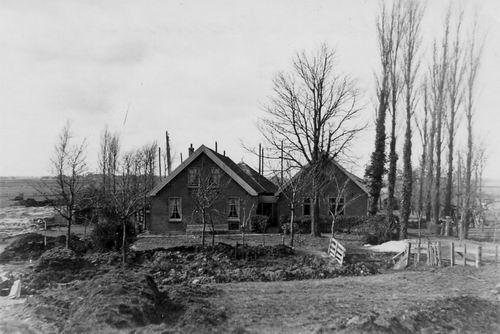 Schipholdijk 0230 1945+ Kronenburg 03