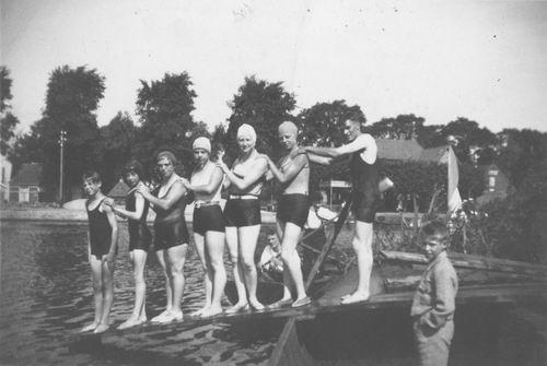 Schipholdijk 027_ Overzijde 1932 met Coba Resoort en Zwemclub