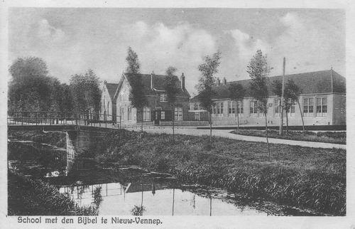 Schoolstraat 0008 1925 School met Bijbel