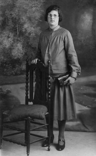 Schouten Corrie 1909 1927 bij de Fotograaf