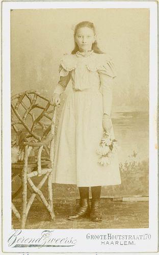 Smit Maria 1885 19__ bij de Fotograaf
