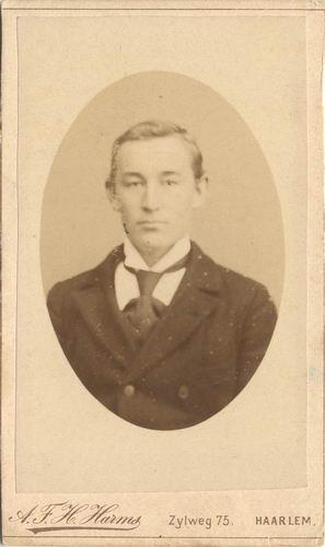 Smit Nicolaas 1877 19__ bij Fotograaf Harms in Haarlem 01 2