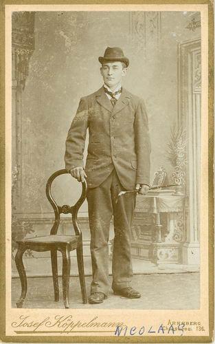 Smit Nicolaas 1877 19__ bij Fotograaf in Duitsland