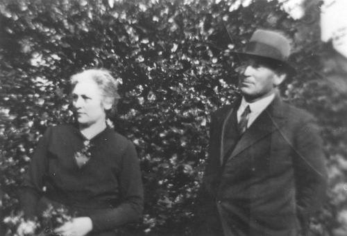 Smit Nicolaas 1877 19__ met vrouw Cornelia v Maasdam 2