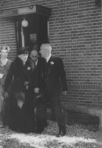 Smit Nicolaas 1877 19__ met vrouw Cornelia v Maasdam voor Huis