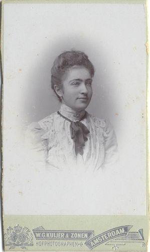 Blaaderen - Schneider Mina v 19-- Portret 02