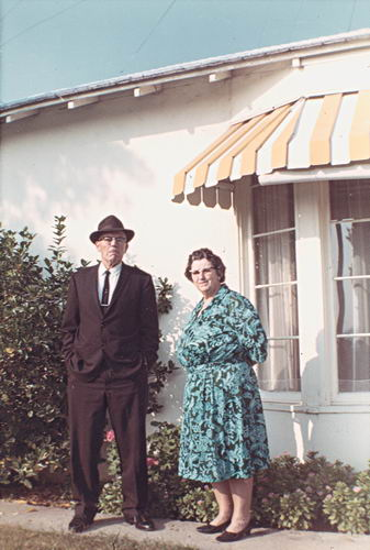 Stout Dirk 1969 met vrouw Florence in Californie USA