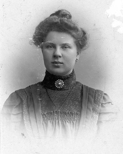 Stout Geertruida H 1889 19__ Portret 01