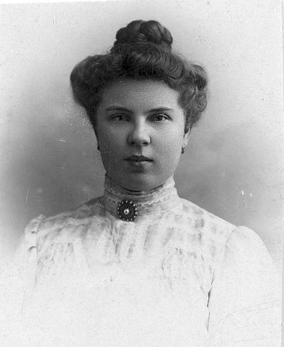 Stout Geertruida H 1889 19__ Portret 02