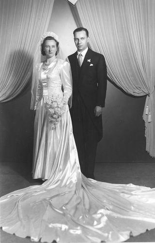 Stout Marijtje 1950 Dochter Annie trouwt onbekend Hakkers