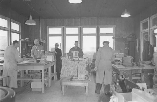 Ter Veenlaan 0018 1960 Schutse Noodwerkplaats 03