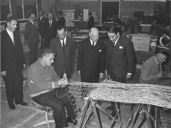 Ter Veenlaan 0018 1961 Schutse Officiele Opening 02