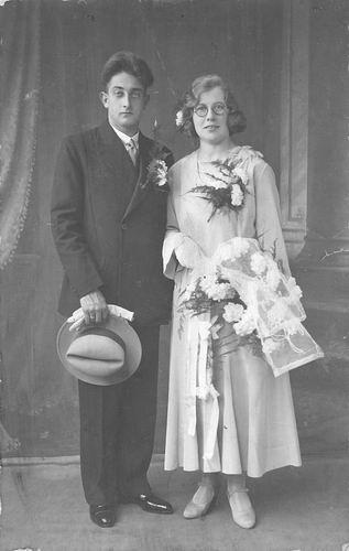 Tichelaar Corrie 1910 1931 trouwt Jan vd Laarse