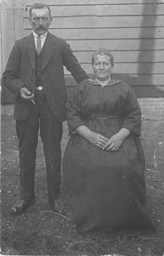 Tichelaar Johannes 1870 1892+ met 1e vrouw Gerrigje Borst